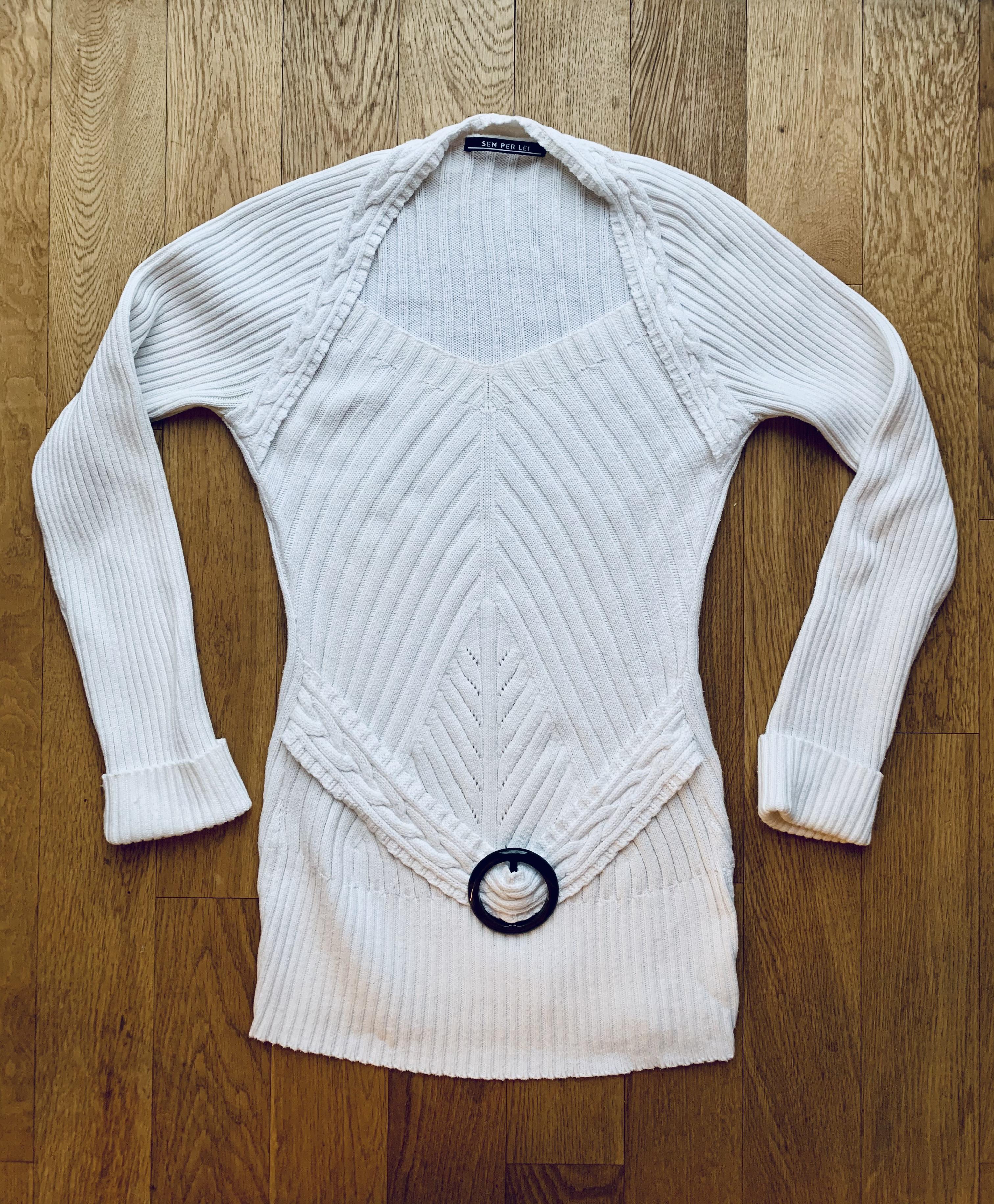 schicker weißer Baumwollpullover tauschen
