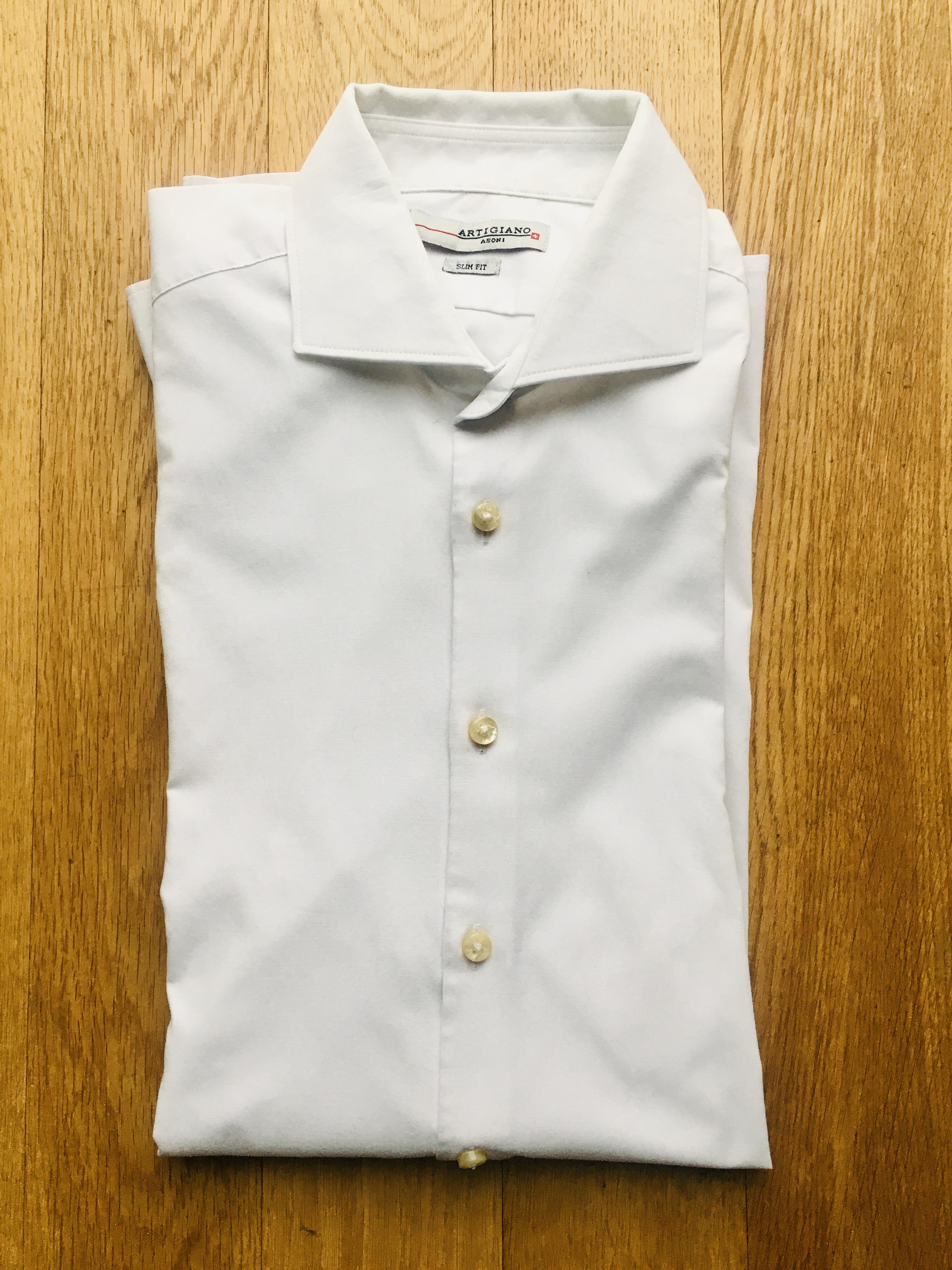 Weißes Herrenhemd, slim fit tauschen