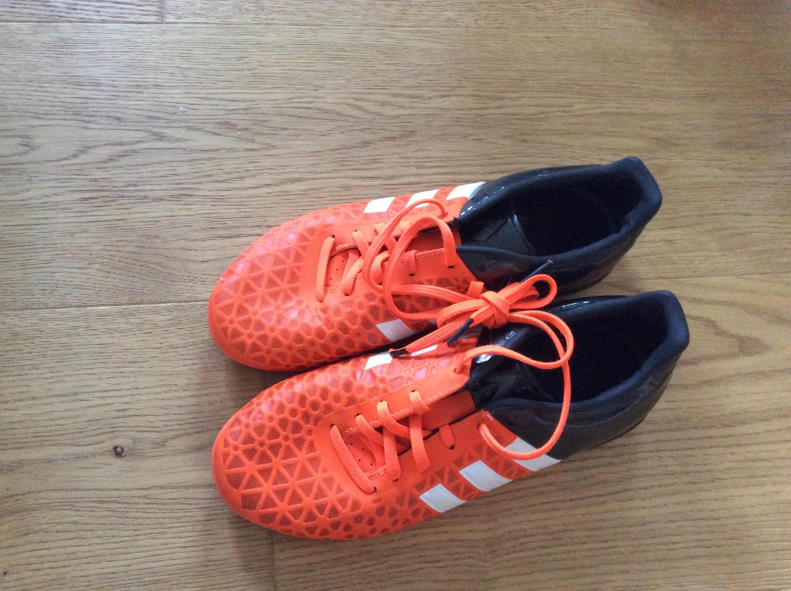 Adidas Fußballschuhe Gr  36 2/3 tauschen