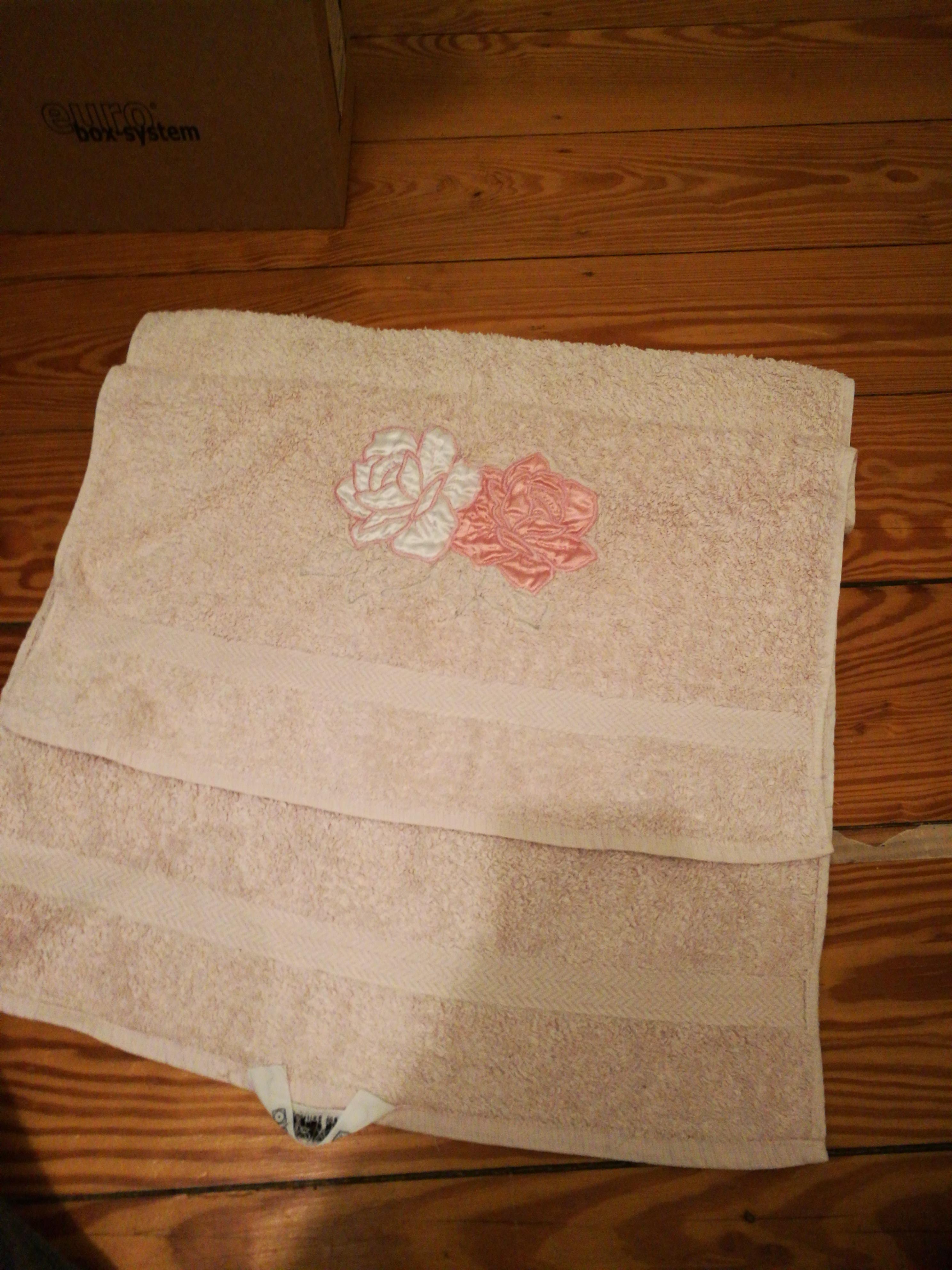 Rosa Handtuch tauschen