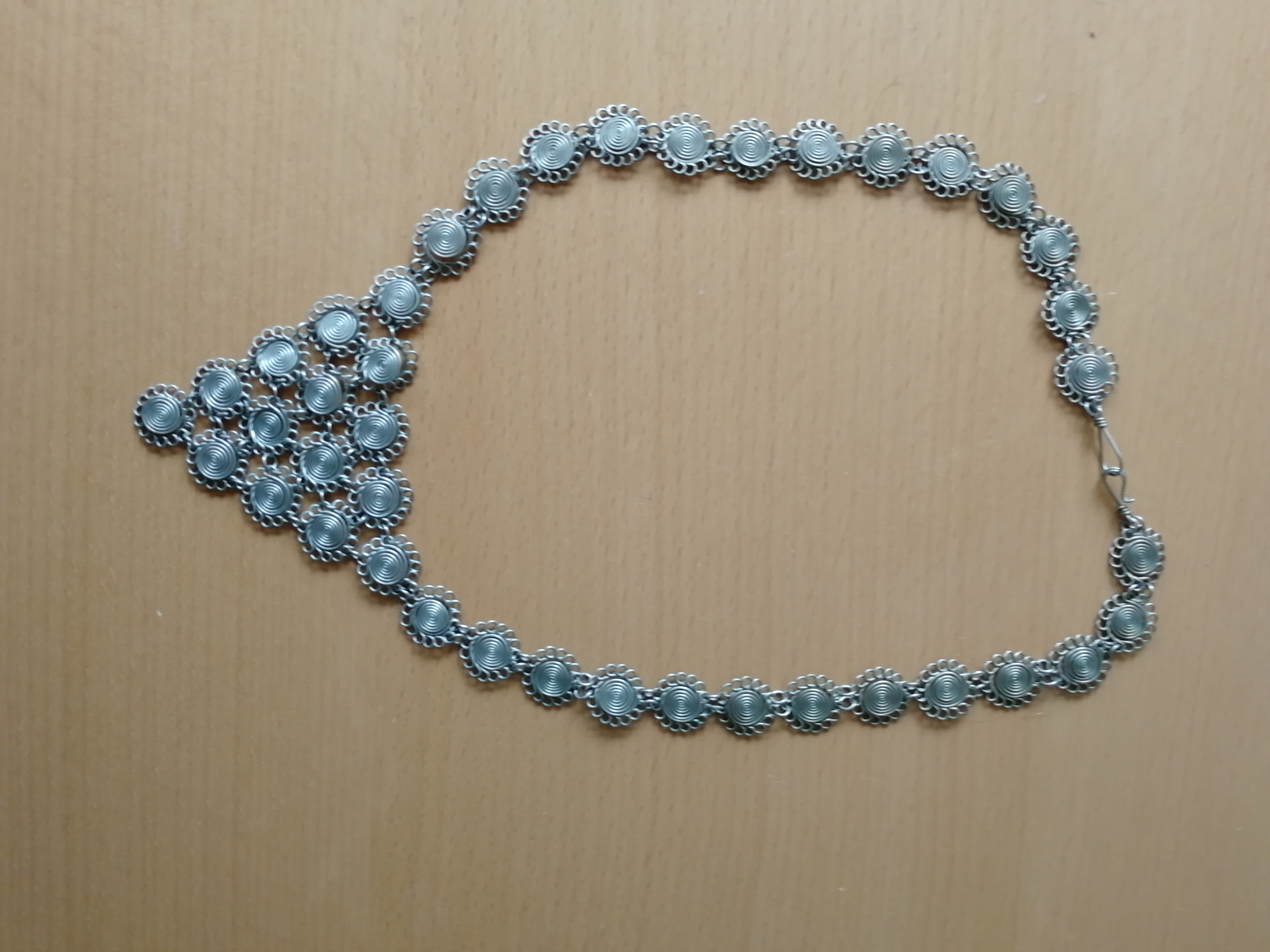 Interessante Halskette tauschen