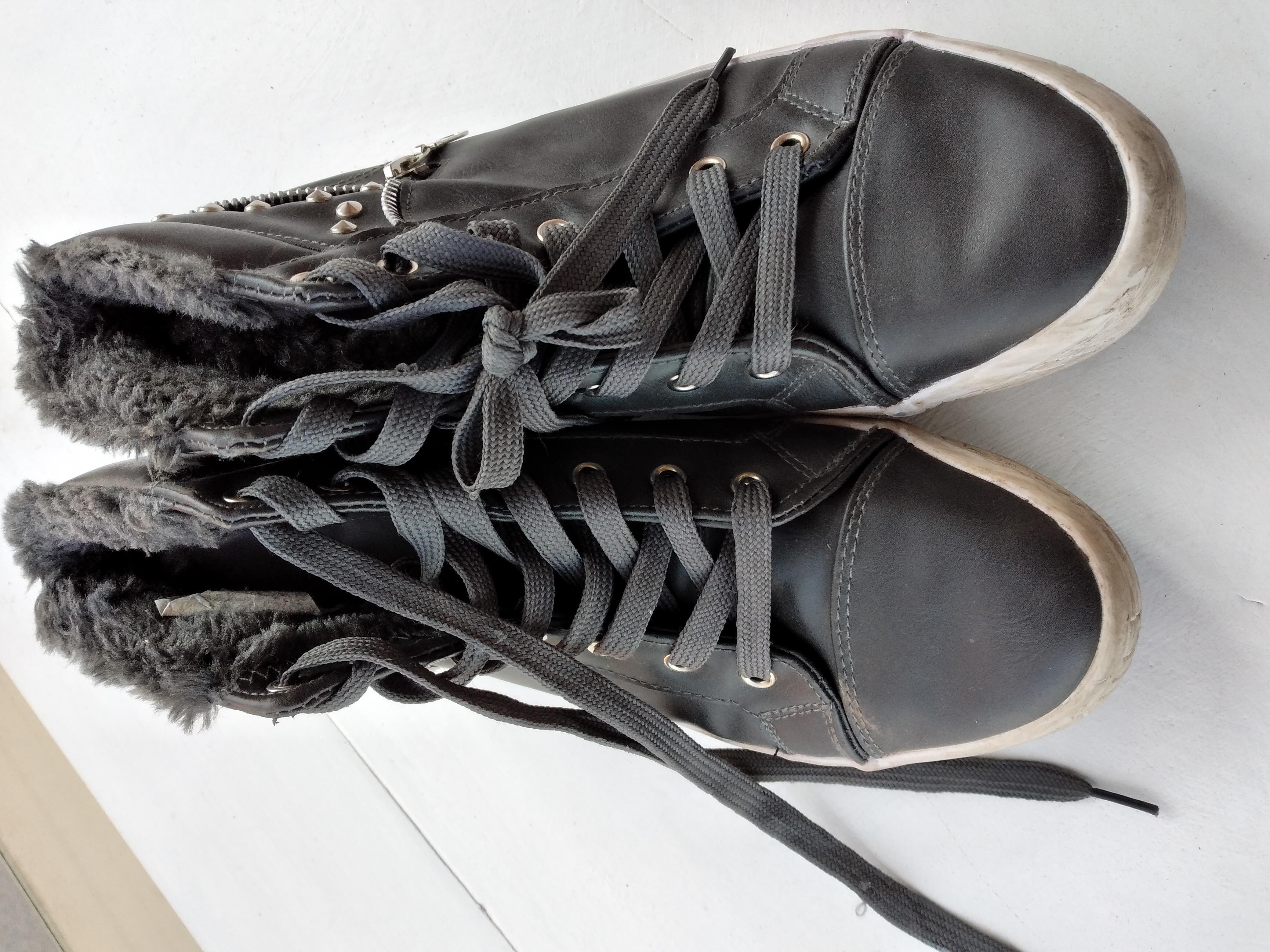 graue Schuhe kostenlos