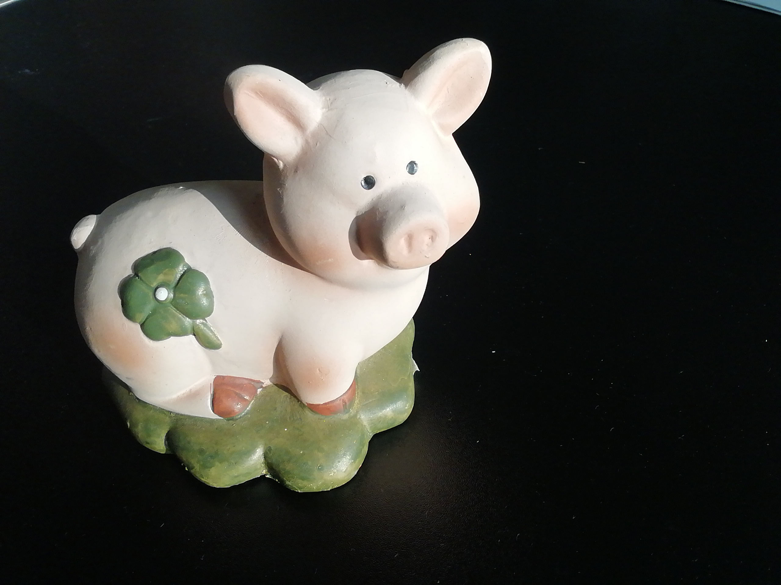 Porzellan Glücksschweinchen tauschen