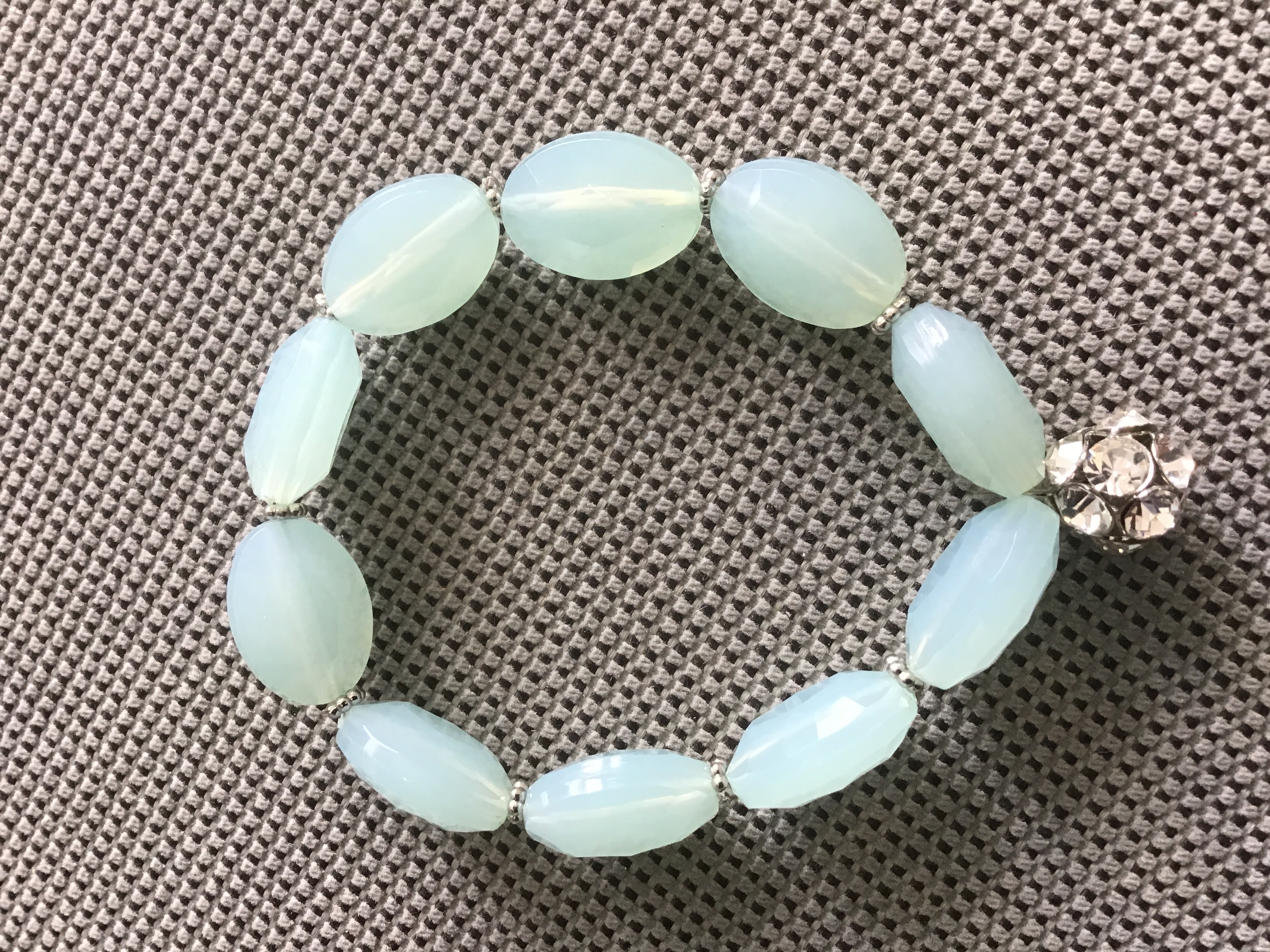 Armband helltürkise Perlen  tauschen