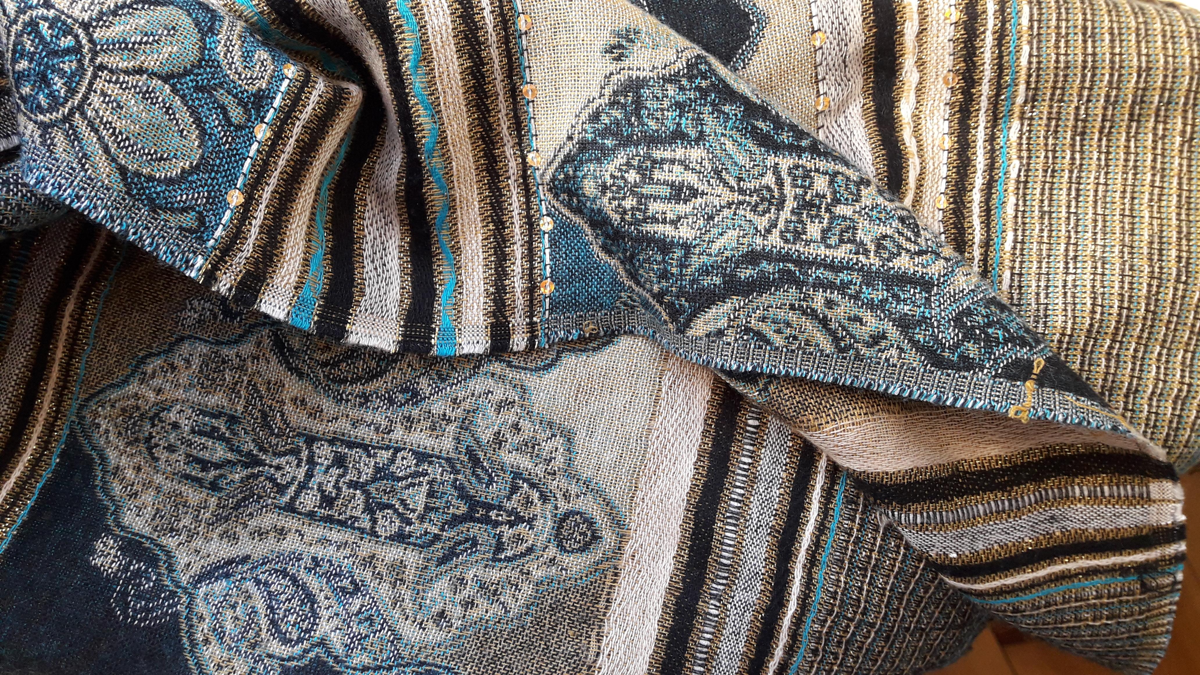 Langer bunter Schal mit glitzer  kostenlos