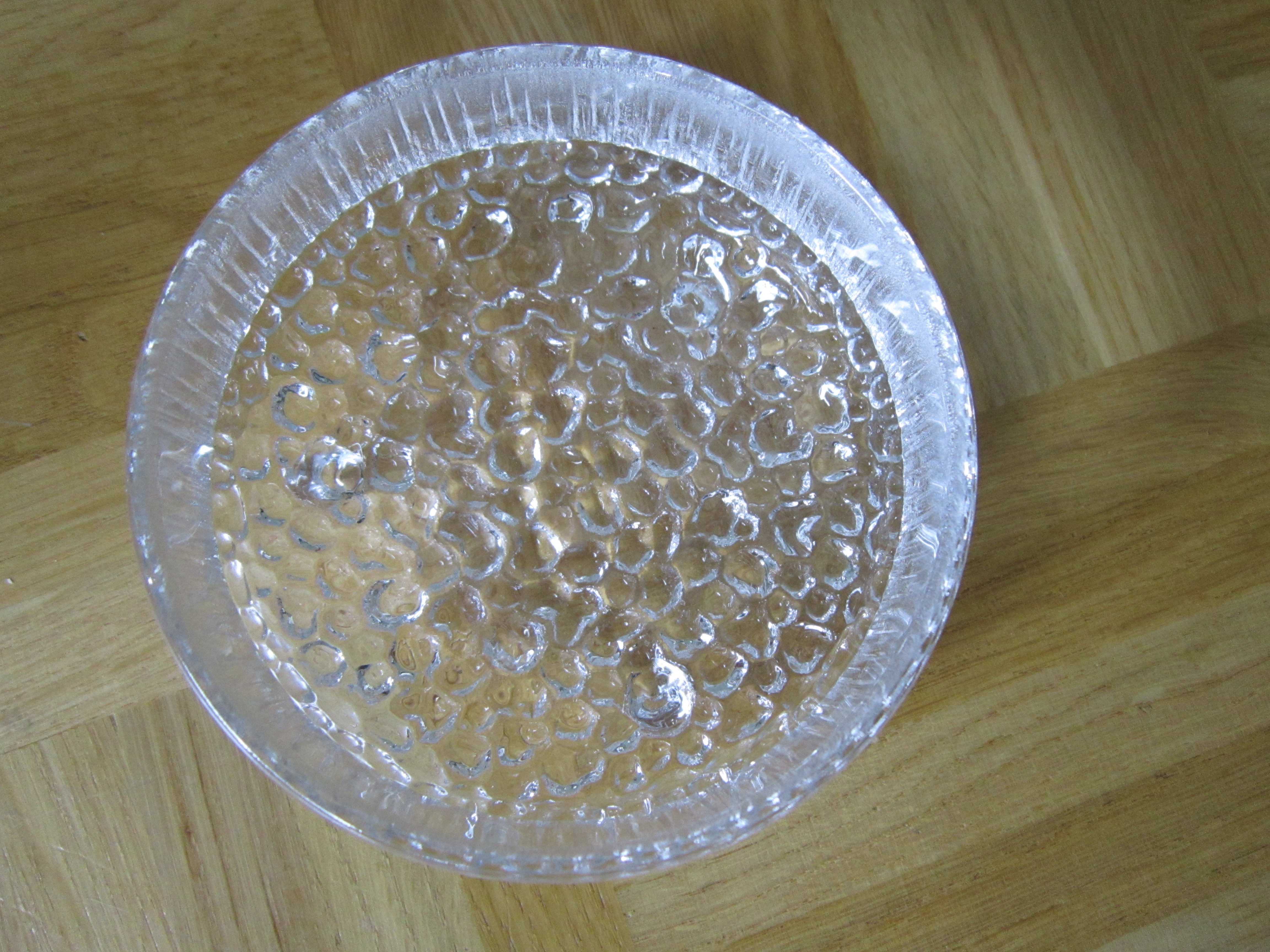 Glasschale mit Riffeln gebraucht kaufen