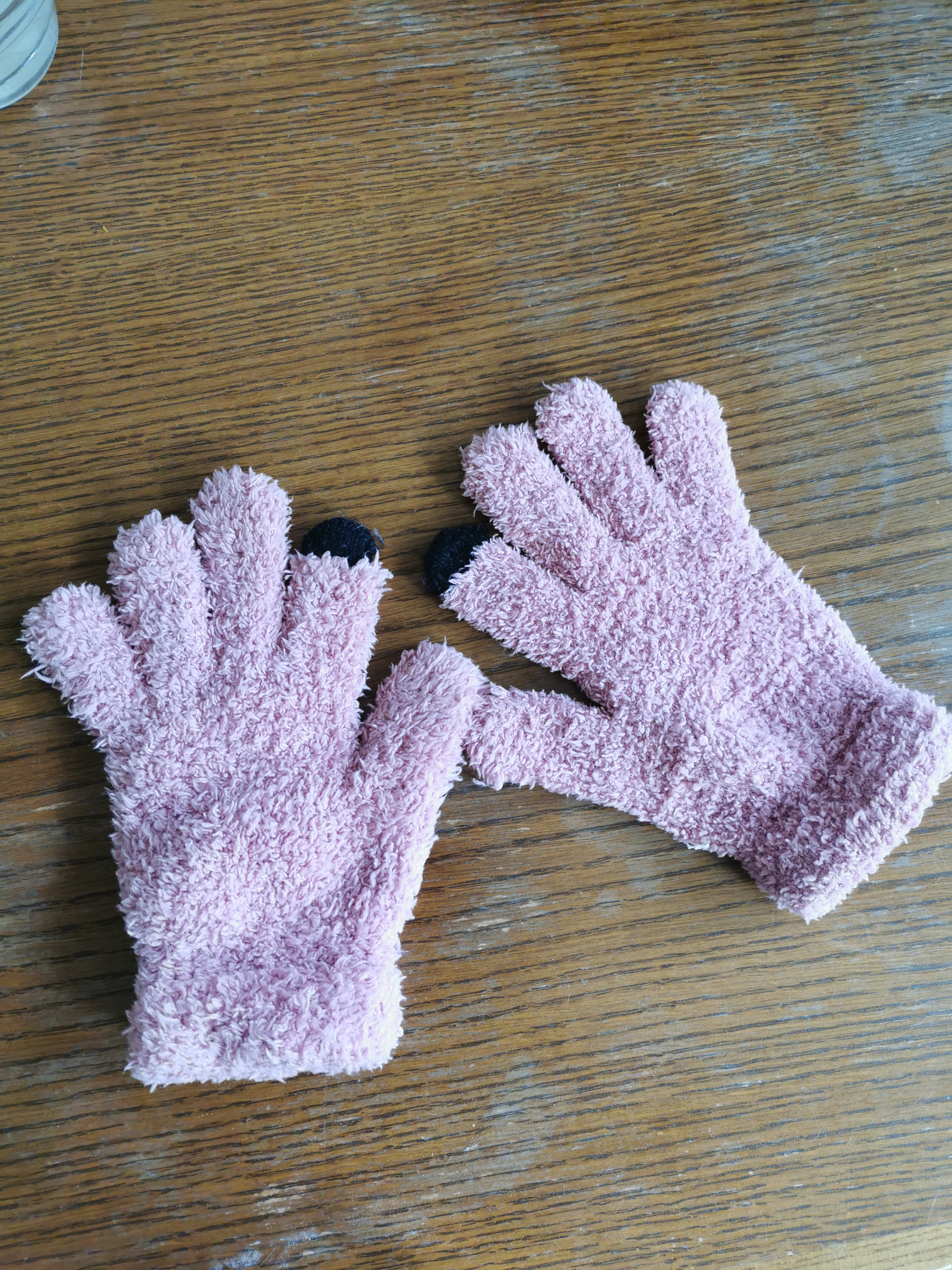 Handschuhe flauschig rosa tauschen