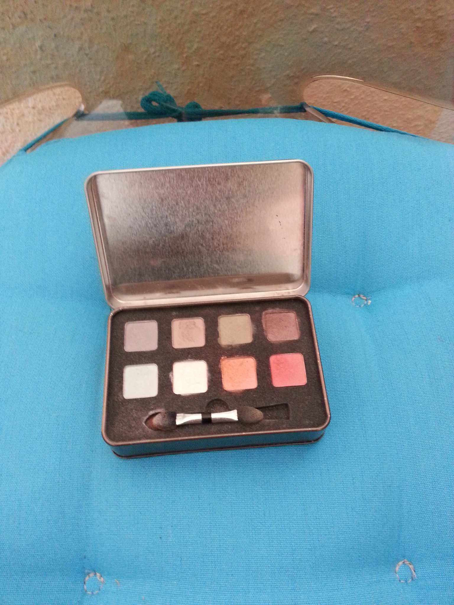 essence Eye-Shadow-Box orange-braun 8 Farben kostenlos
