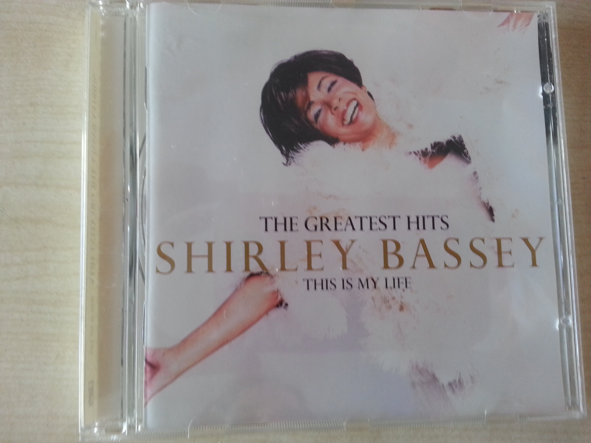 CD: Shirley Bassey- This is my life  kostenlos