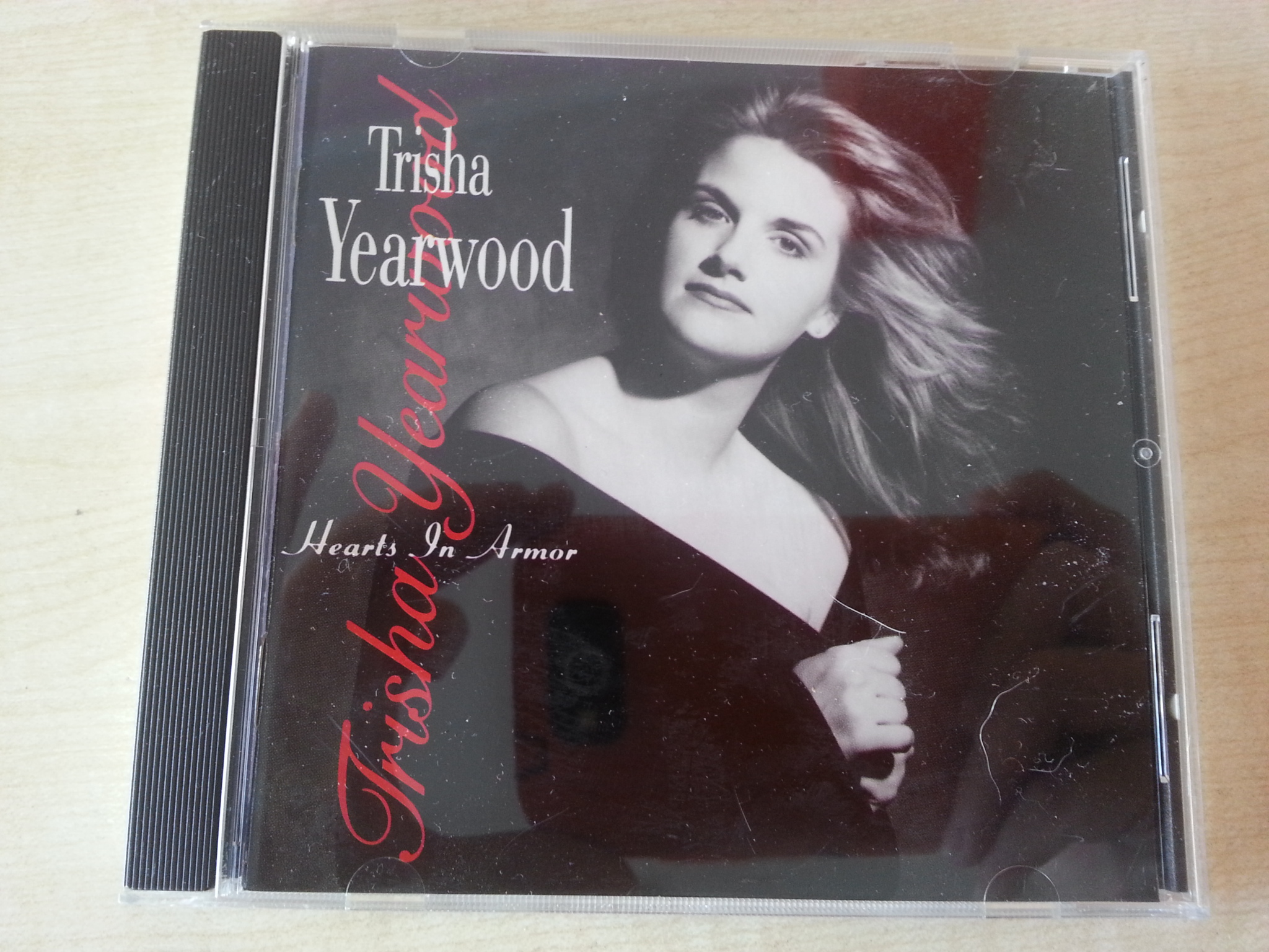 CD: Trisha Yearwood - Hearts in Armor  kostenlos