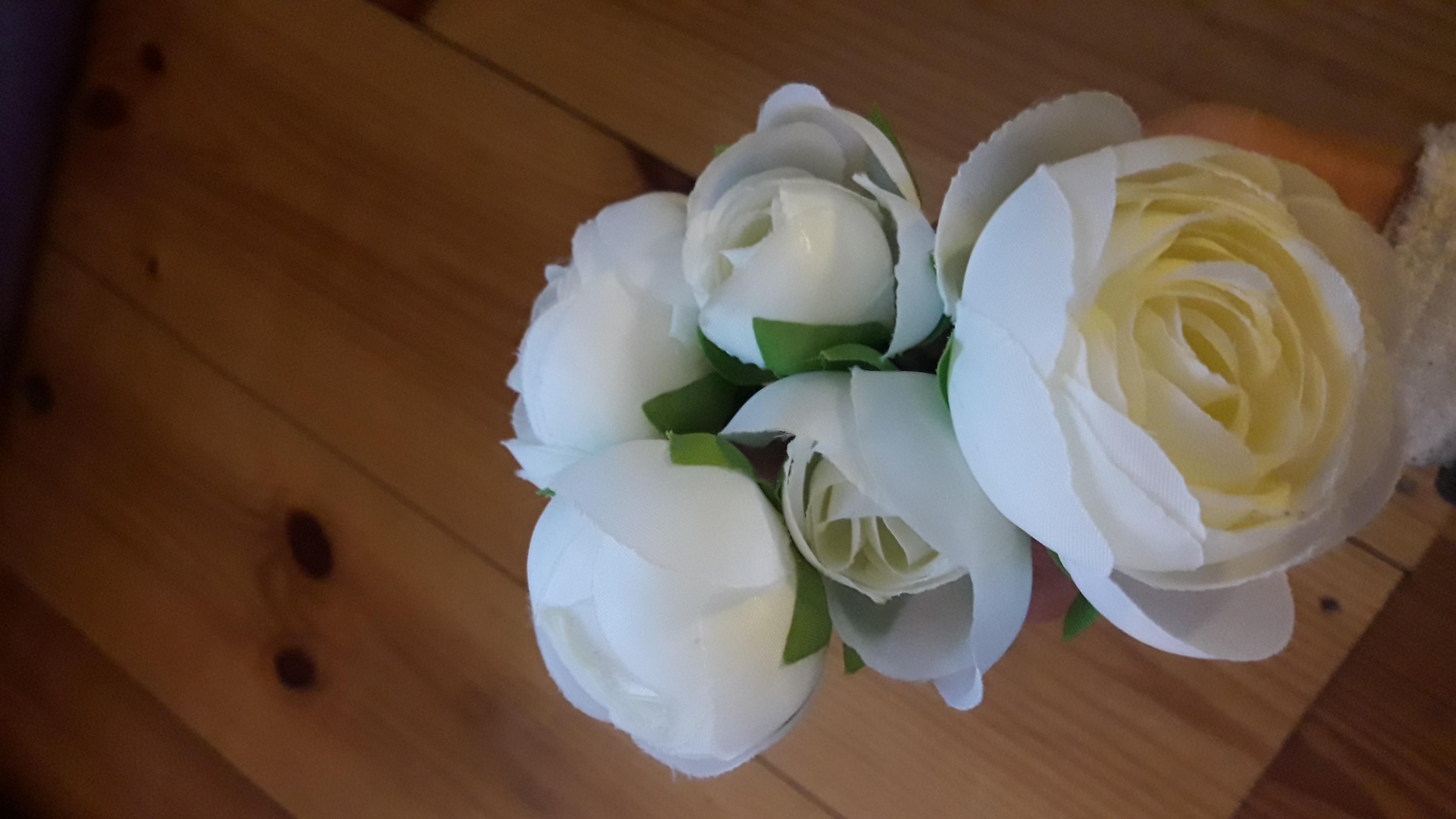 Weiße Kunstblumen  gebraucht kaufen