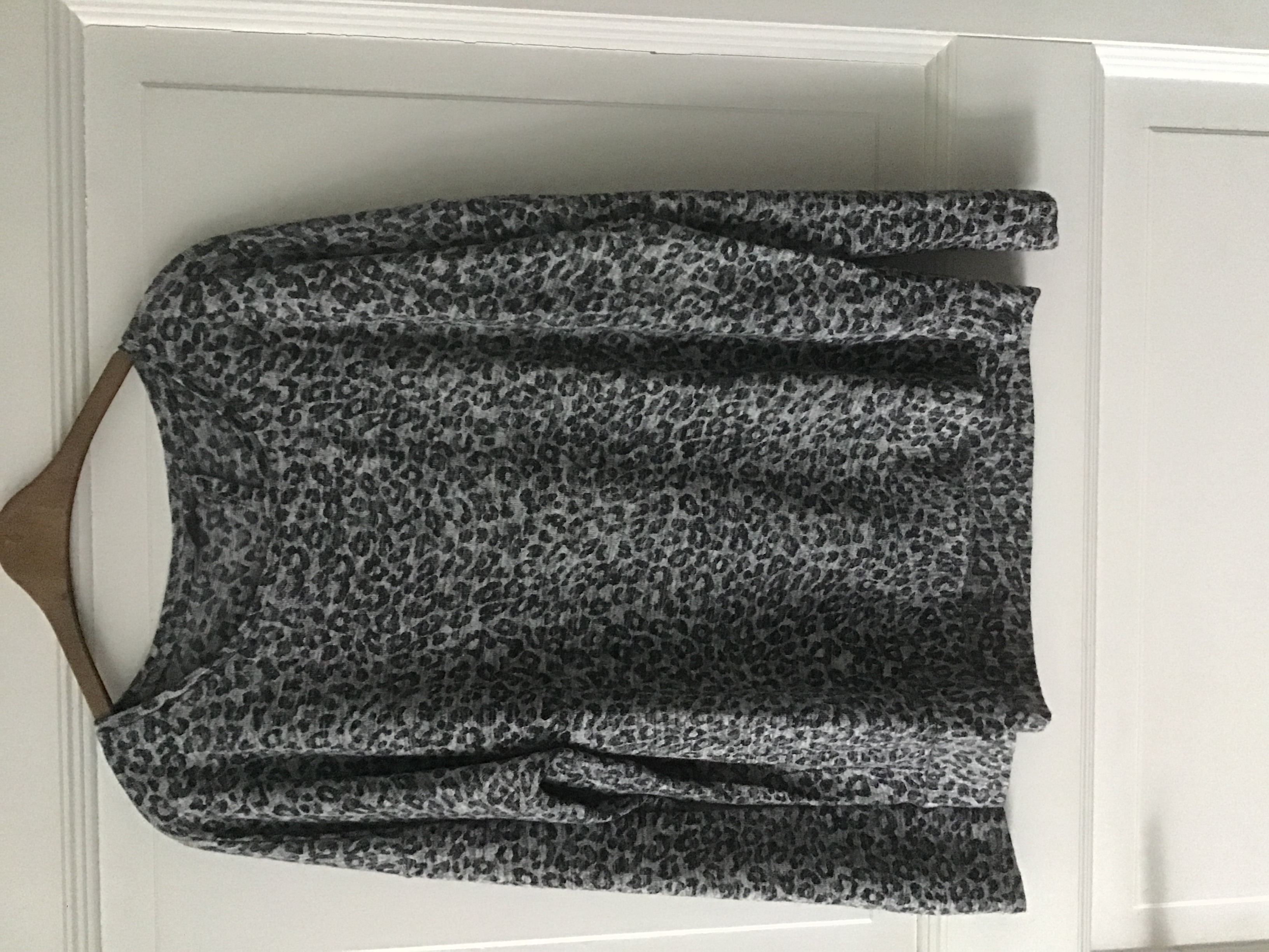Pullover mit Tier Print 40/42 tauschen