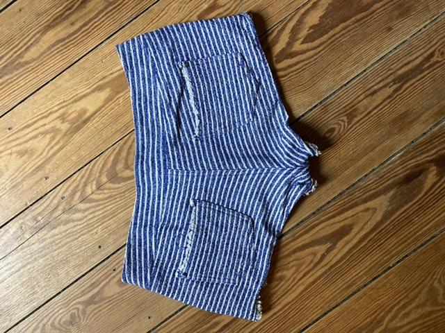 Kurze Hose blau weiß Gr.M kostenlos