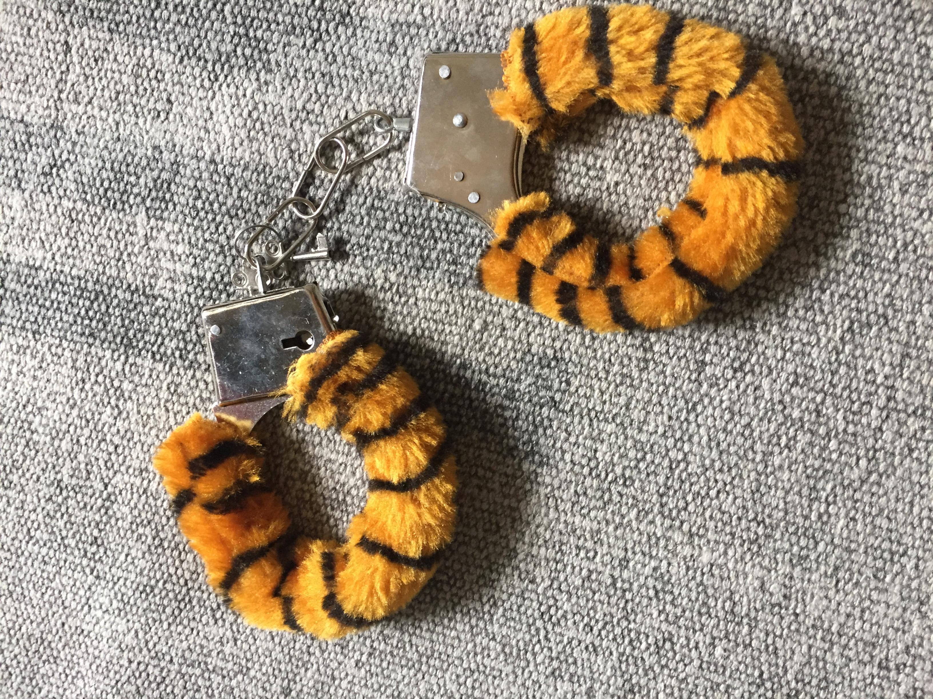 Tigerhandschellen tauschen