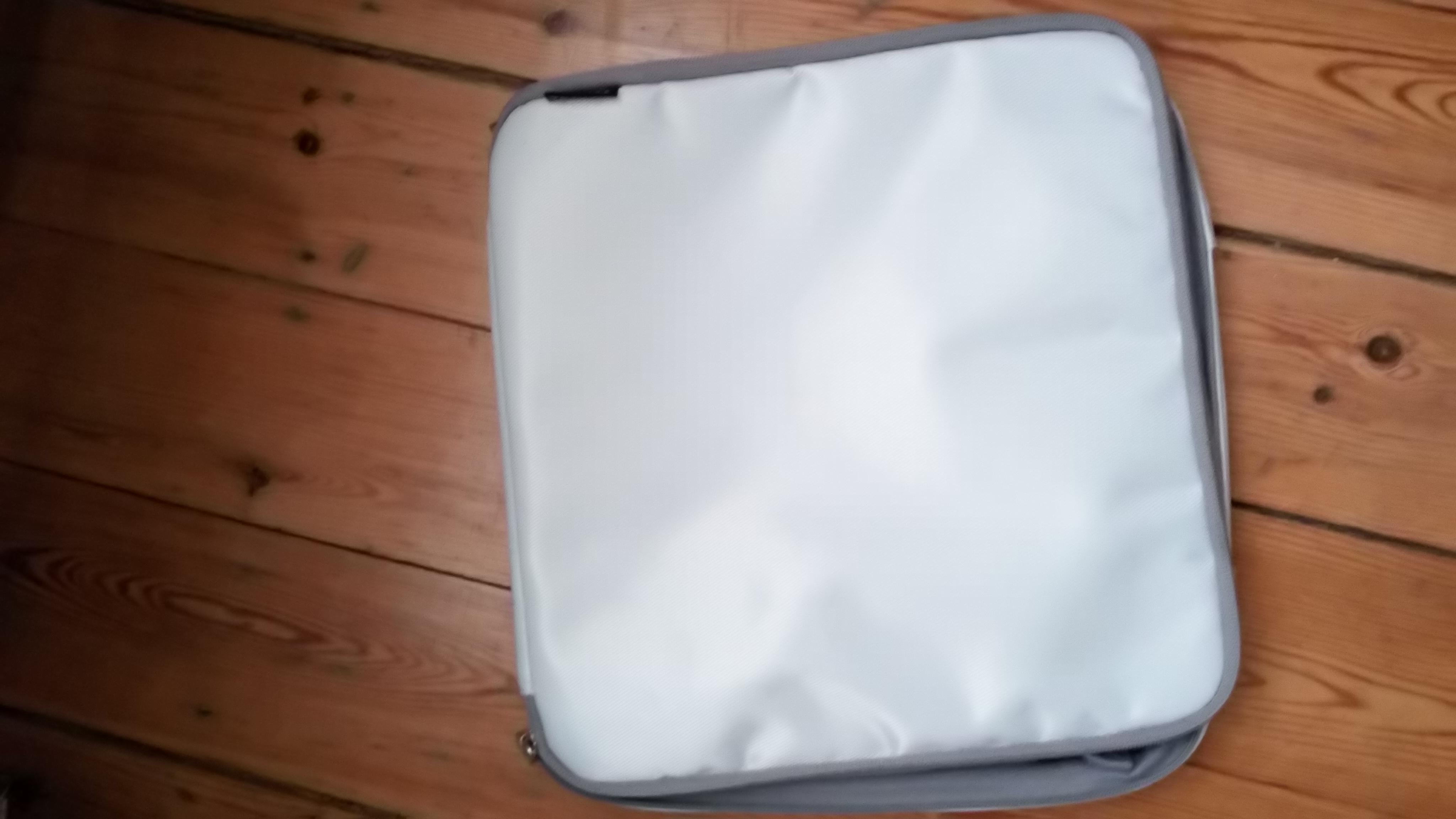 Tablet-Tasche ca 30x30 cm tauschen