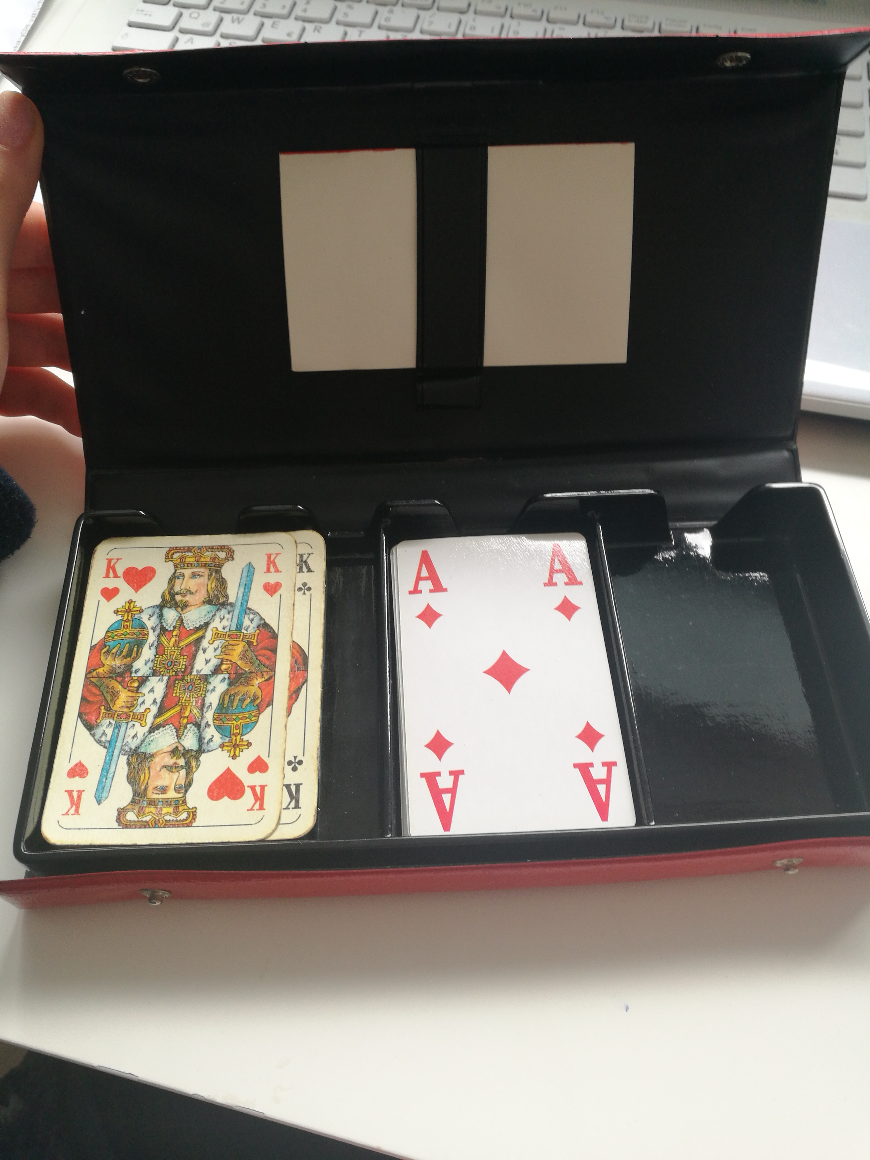 Tasche mit Karten tauschen