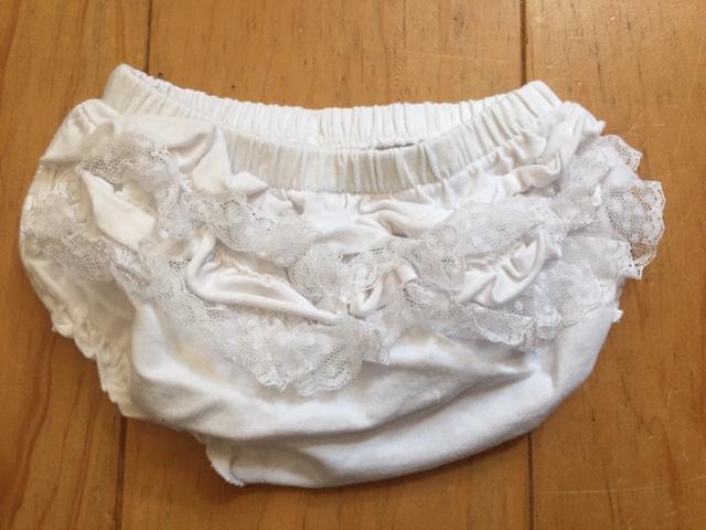 Baby Weißes Rüschen Höschen kostenlos