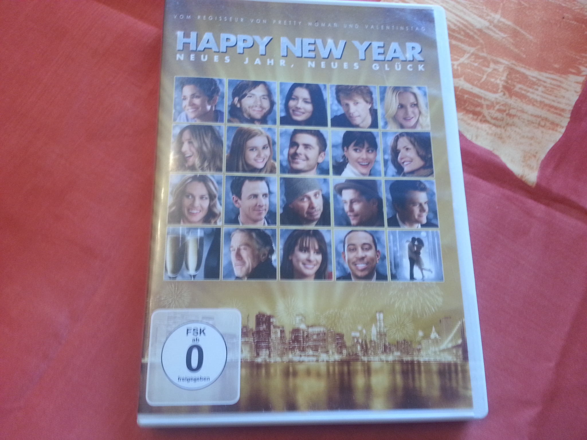 DVD: Happy new year kostenlos