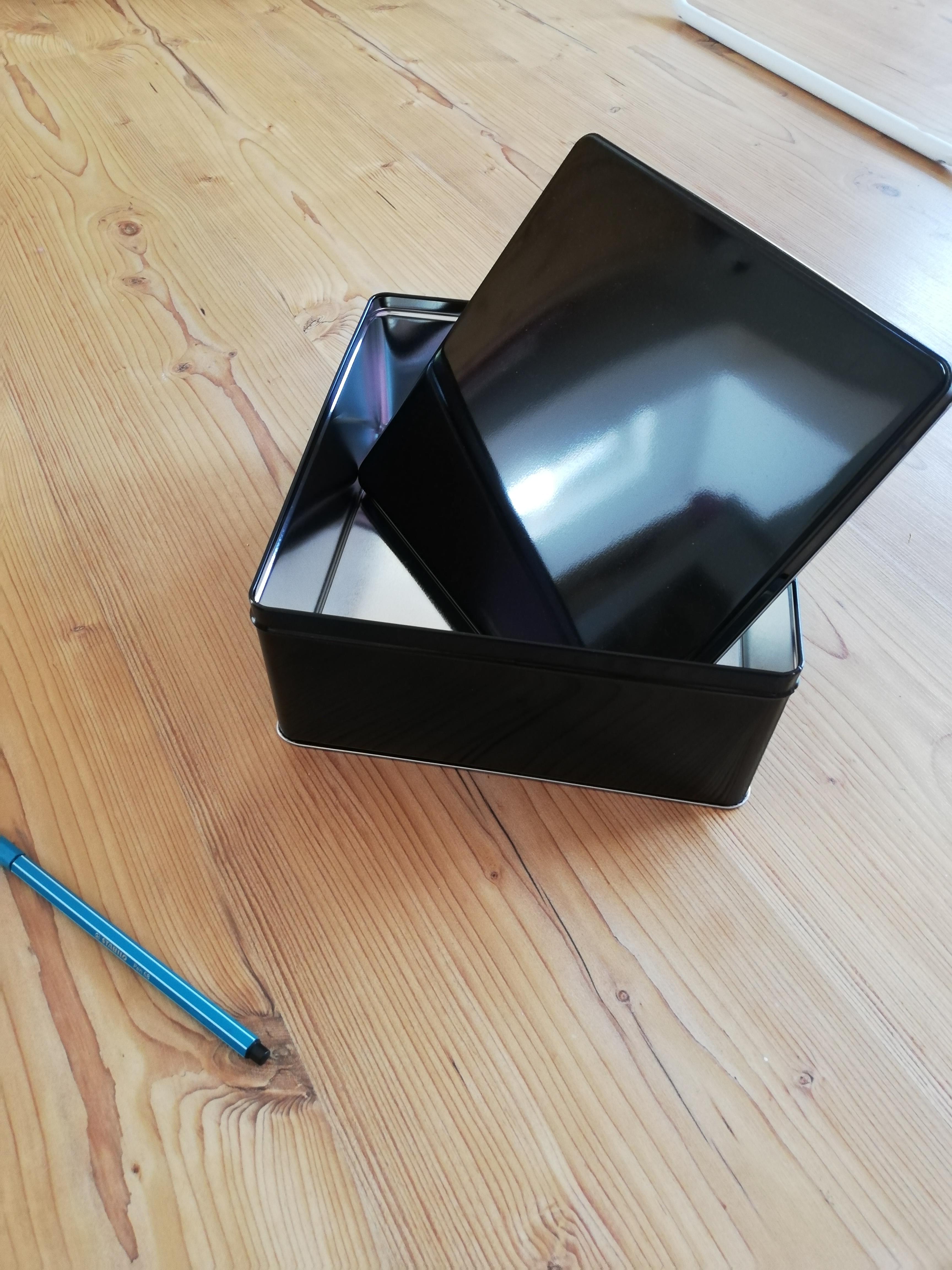 Keksdose/Box schwarz kostenlos