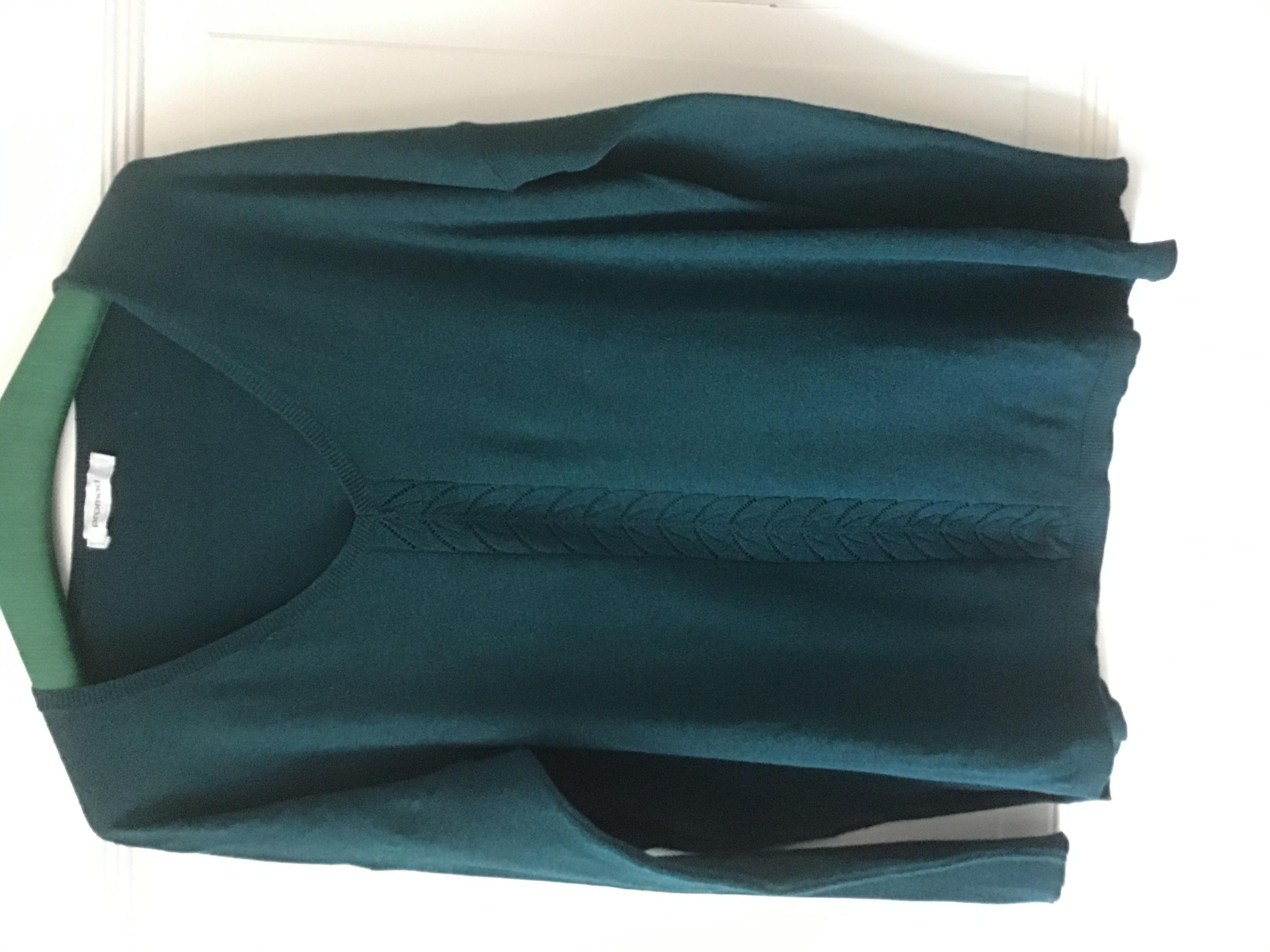 V-Ausschnitt Pullover Größe M  tauschen
