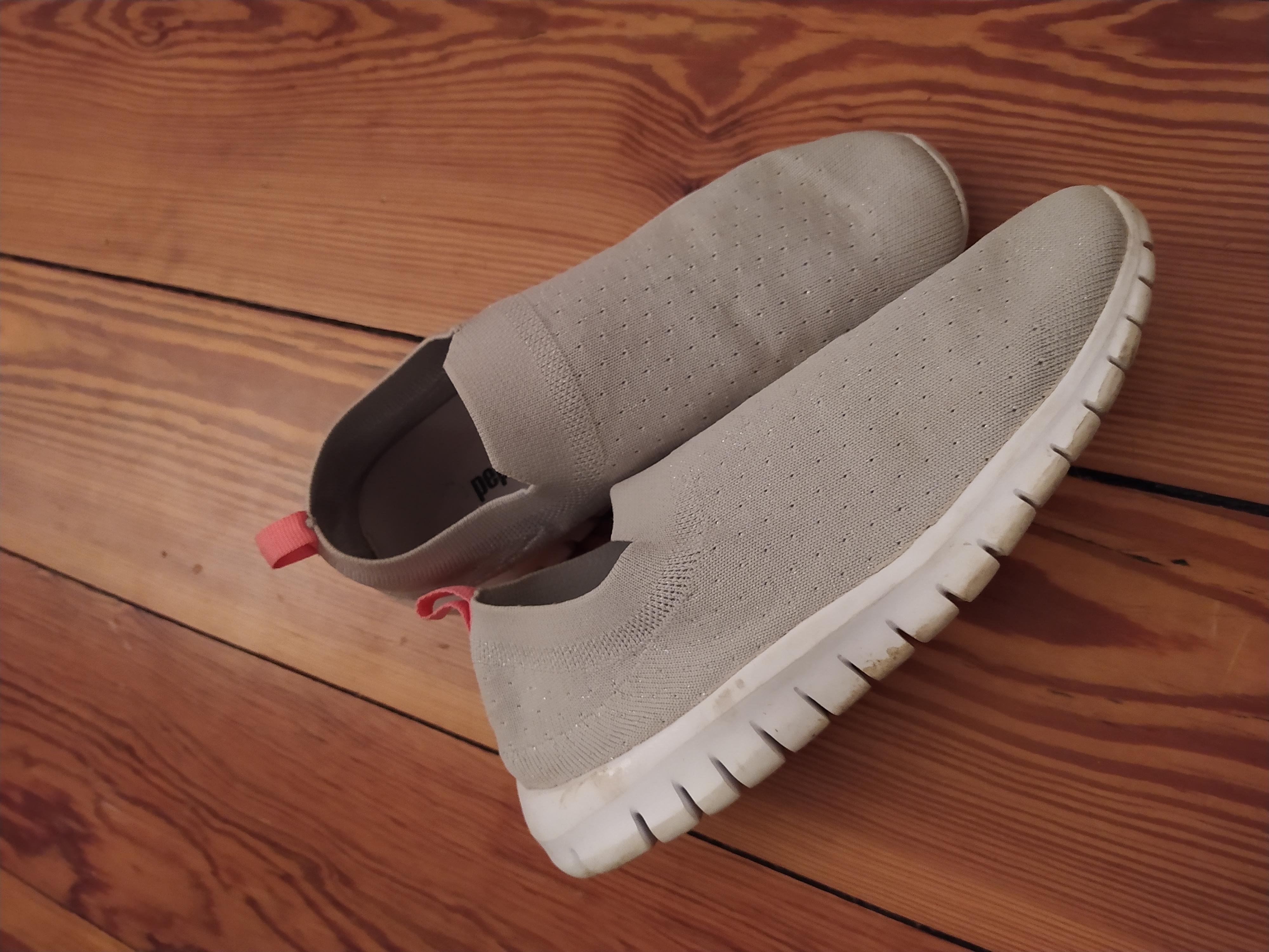 Weiche Sneaker Gr. 35 tauschen
