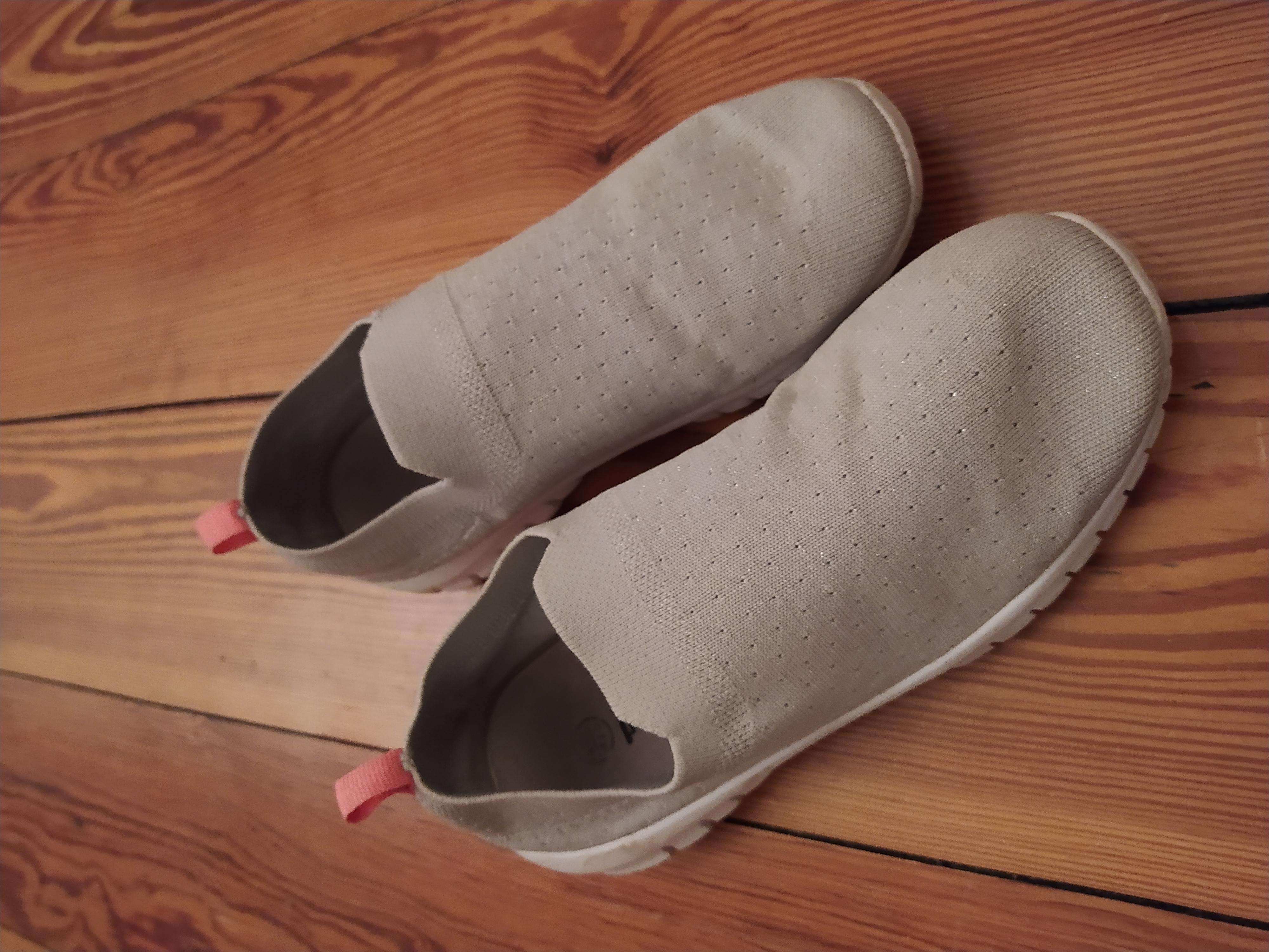 Weiche Sneaker Gr. 35 kostenlos
