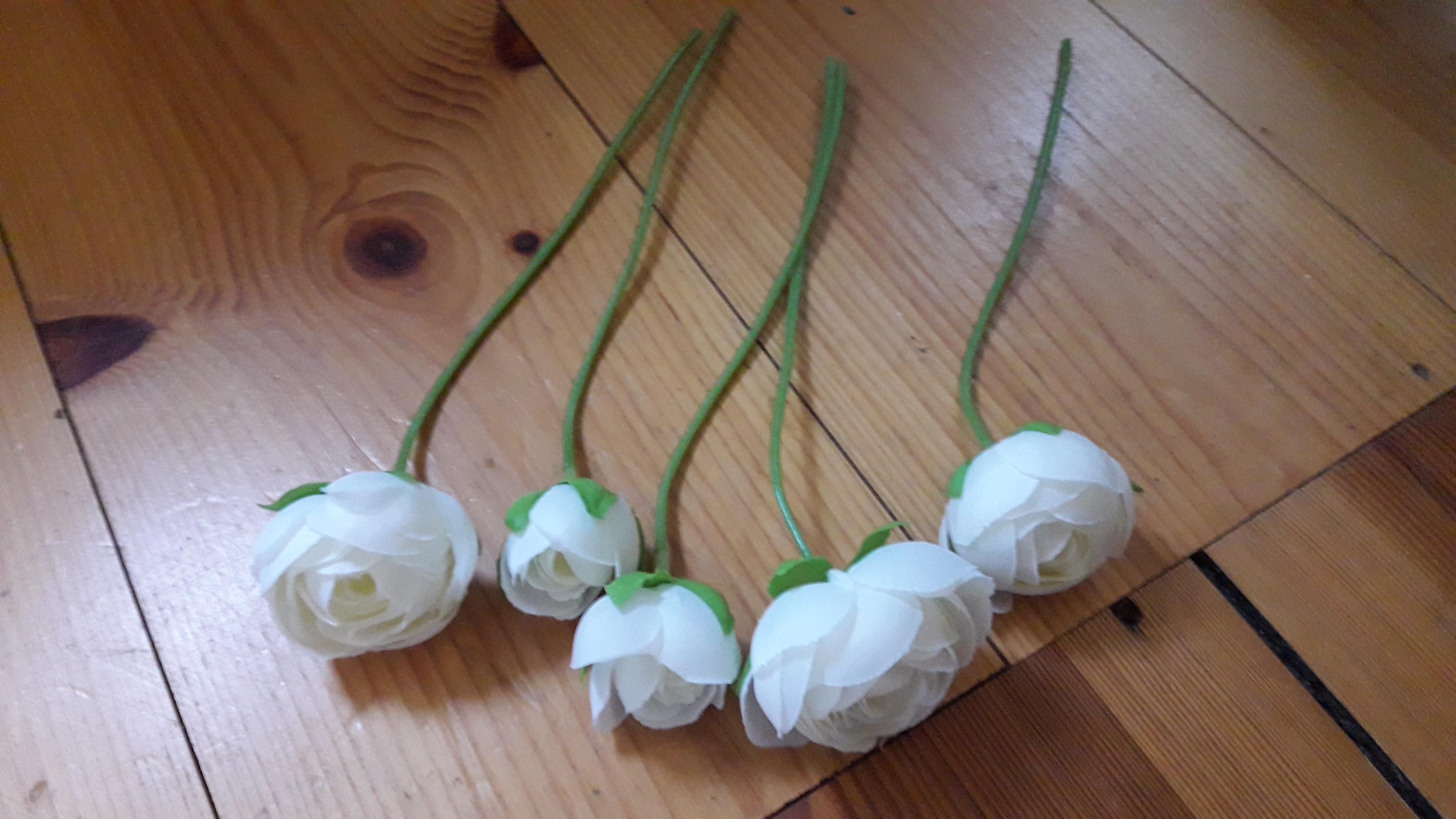 Weiße Kunstblumen  tauschen