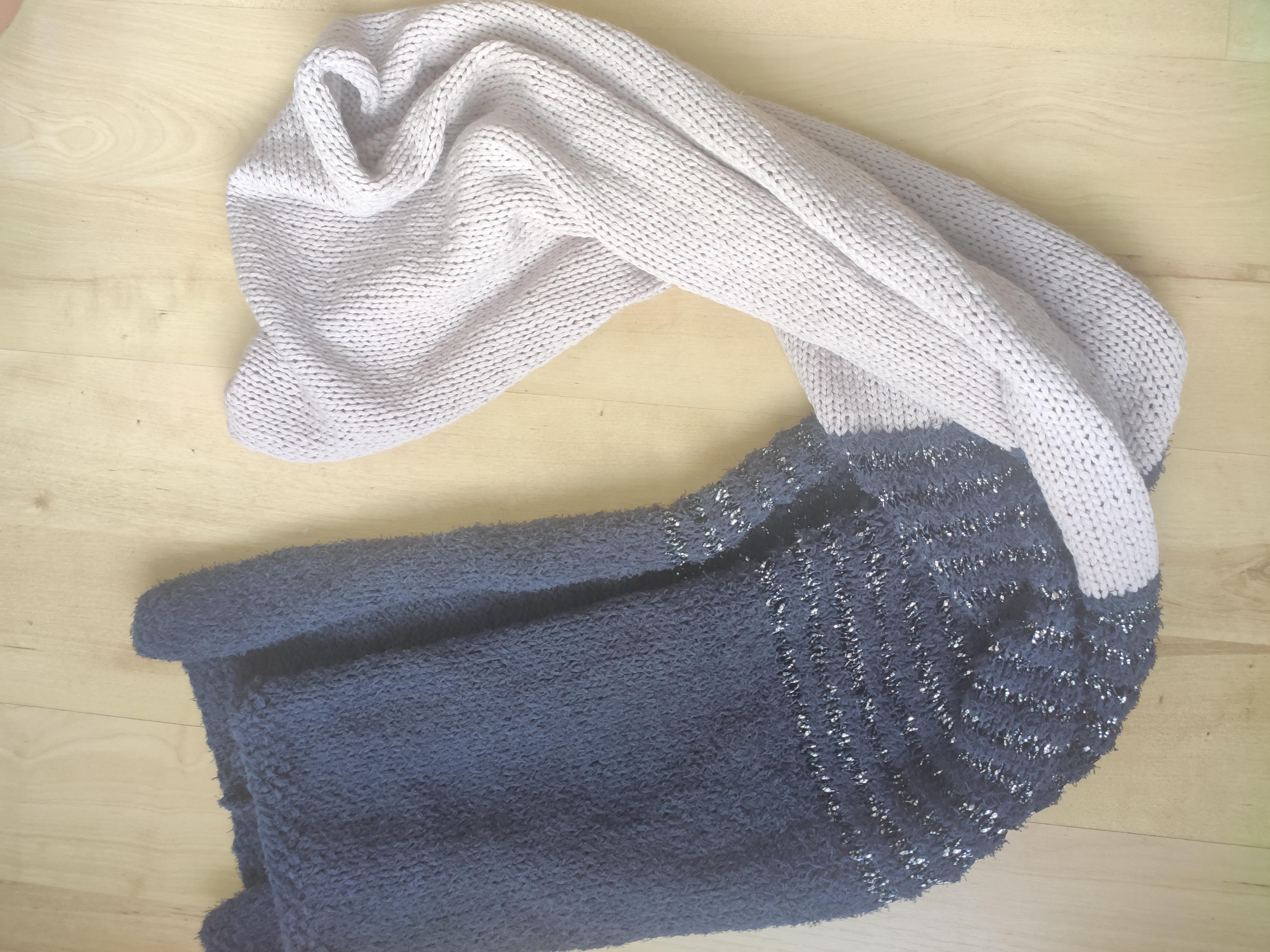 Schal aus Wolle, lila Glitzer tauschen