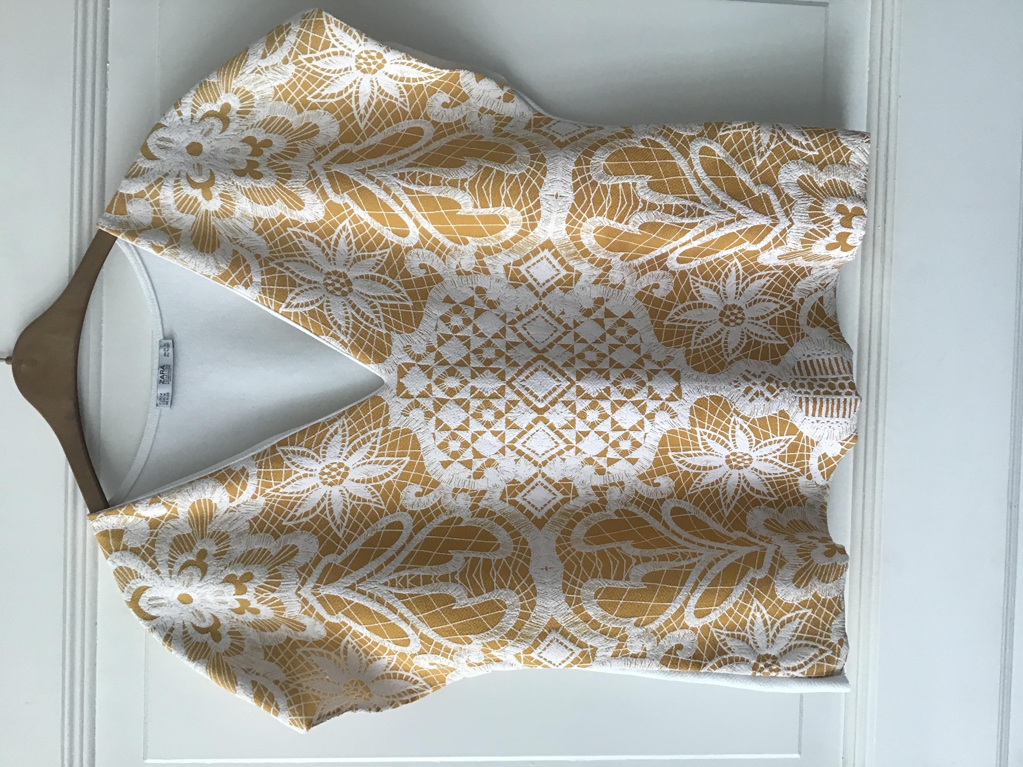 Leichte Bluse weiß/gelb Größe M tauschen